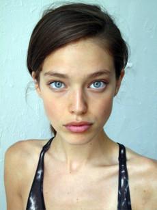 Blue eyed young girl, like a Angelina.