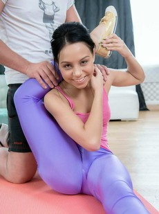 She met her new coach in the gym. She..