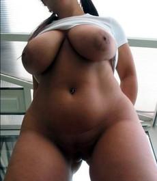 Wild inked ebony chick gets naked on cam